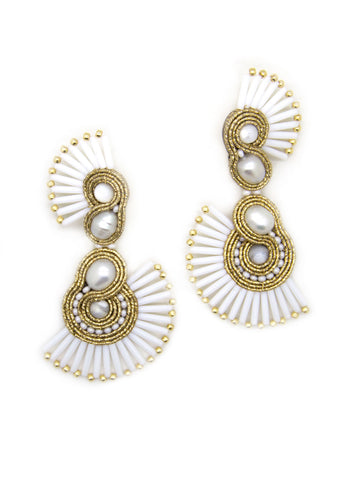 White and Gold Asymmetric Earrings With Pearl