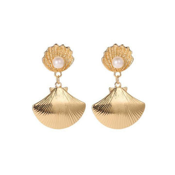Clamshell Pearl Earrings