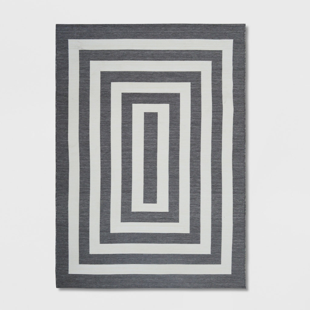 5' x 7' Mitre Stripe Outdoor Rug Gray - Project 62