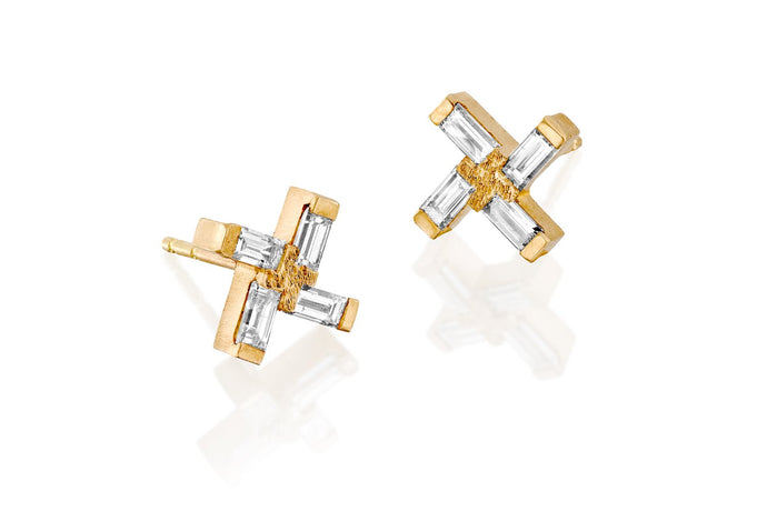 18k Gold Earrings set with Rectangle Diamond