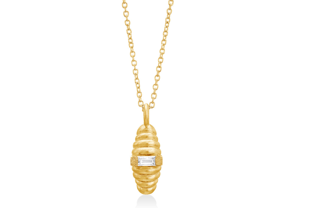 18k Gold Spiral Necklace set with baguette Diamond.