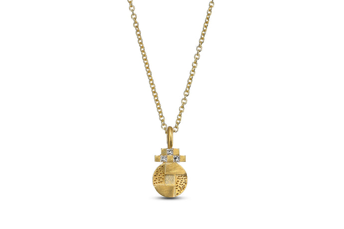 Round Necklace 18k Gold with baguette Diamond