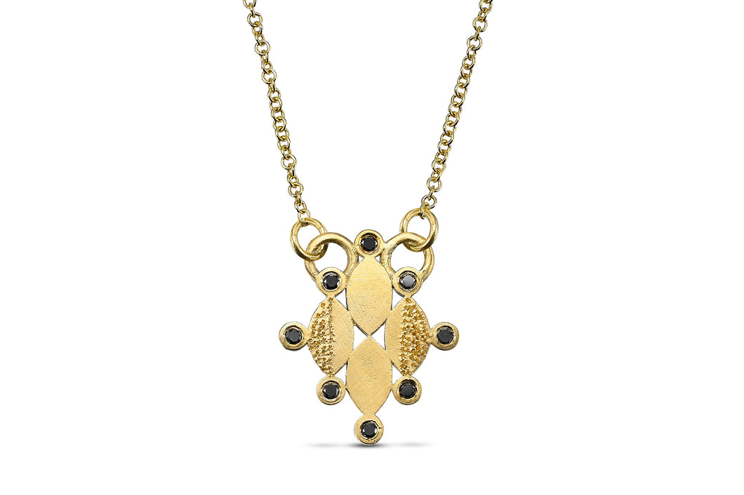 18k  Necklace with square Diamond