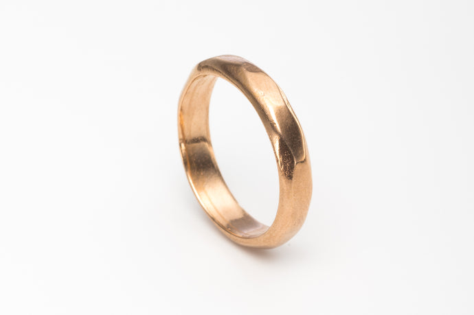 Classic Wedding Ring in 14k Recycled Gold