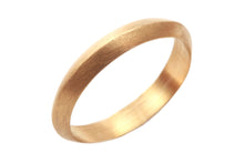 18k Gold Wedding Band