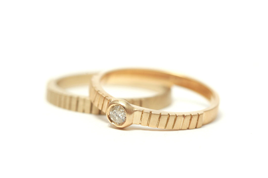 Wedding Ring Set With Solitaire Diamond