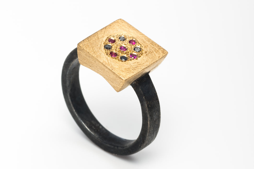 18k Gold Silver Ring with Ruby & Black Diamond
