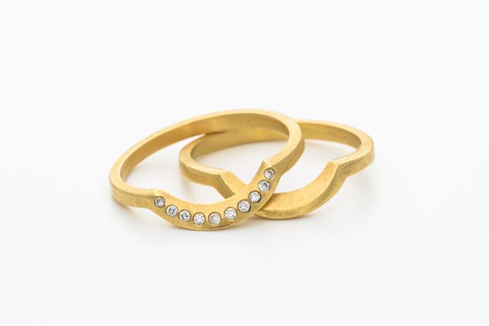 Curved wedding Rings Set 18k gold