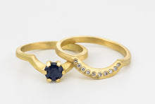 Load image into Gallery viewer, Blue sapphire Wedding Rings Set Diamonds