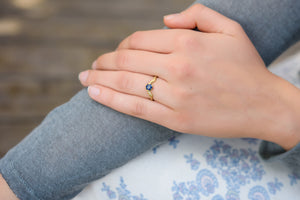 18k Blue Sapphire Solitaire Engagement Ring