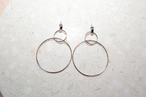 VALERIE Interlinked Hoops in Silver - AZARIA