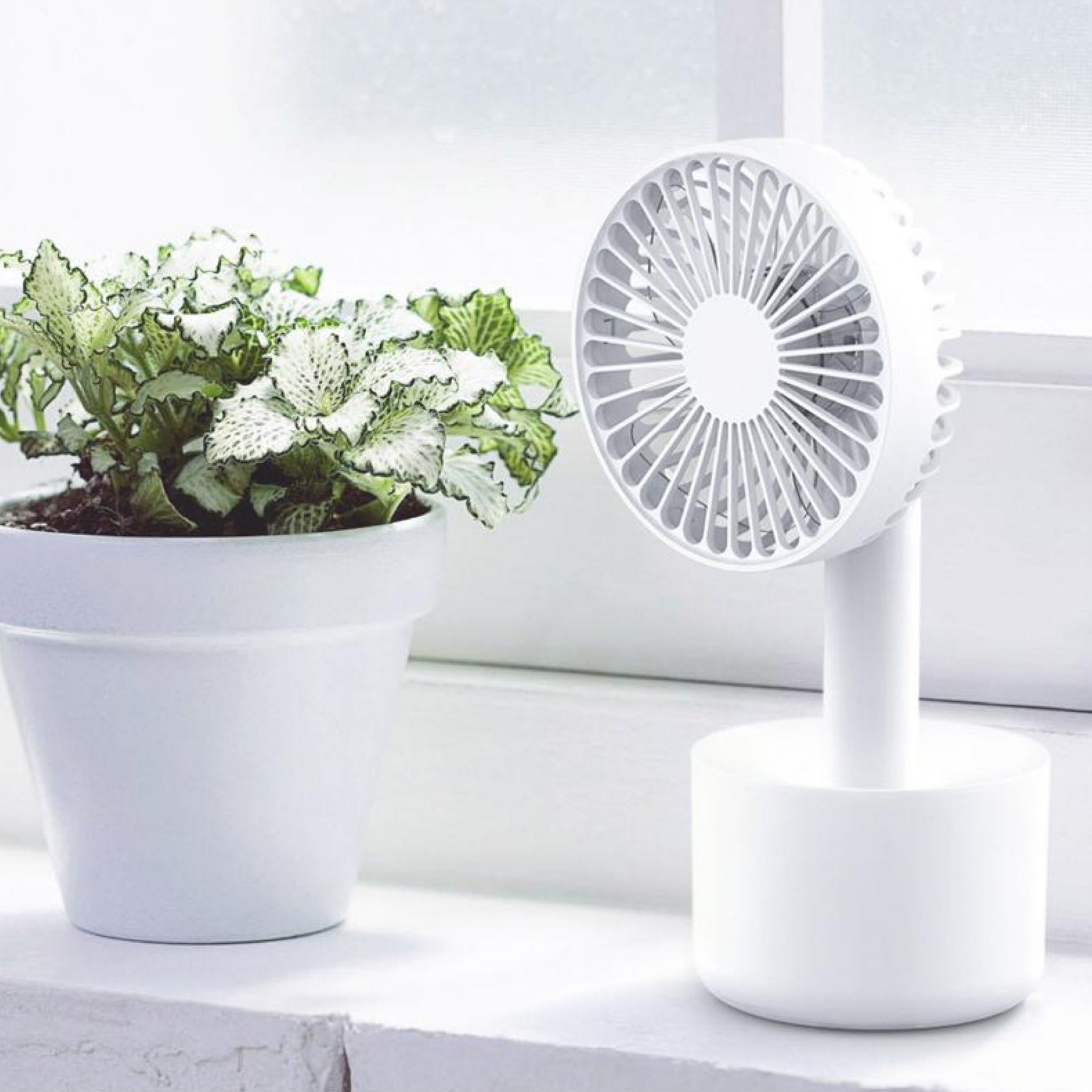 Detachable Portable White Handheld Mini Fan Degree Rotation Ultra Quiet Home Office Outdoor Desk USB Electric Charging Fans Trend