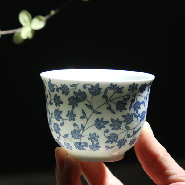 Japanese blue and white ceramic Sake teacup Porcelain tea cup Japan Household Capacity 150ml