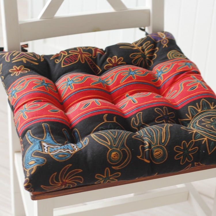 Tatami elephants print cushion