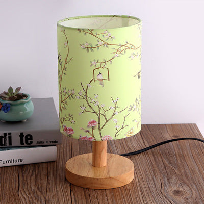 The Japanese Nordic green floral bedroom lamp