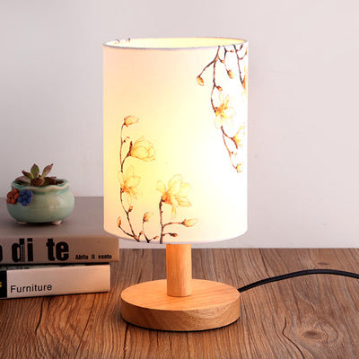 The Japanese Nordic Cream floral bedroom lamp