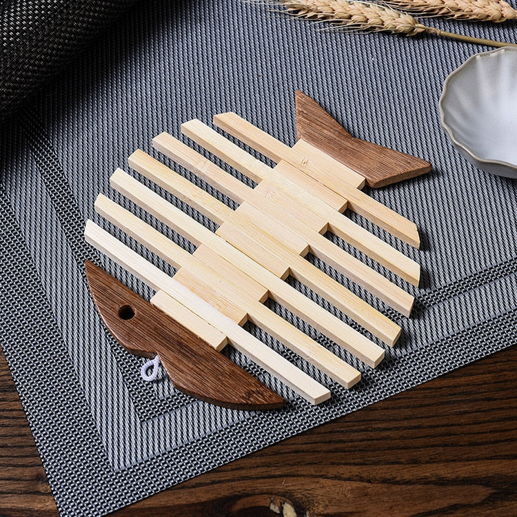 Trend Japanese Wooden Bamboo Table Mat Kitchen Pad Mat Non-slip Insulation Heat Holder Coasters Stand Hot Mats Apple Fish Shaped set Japan Dining Room Tableware