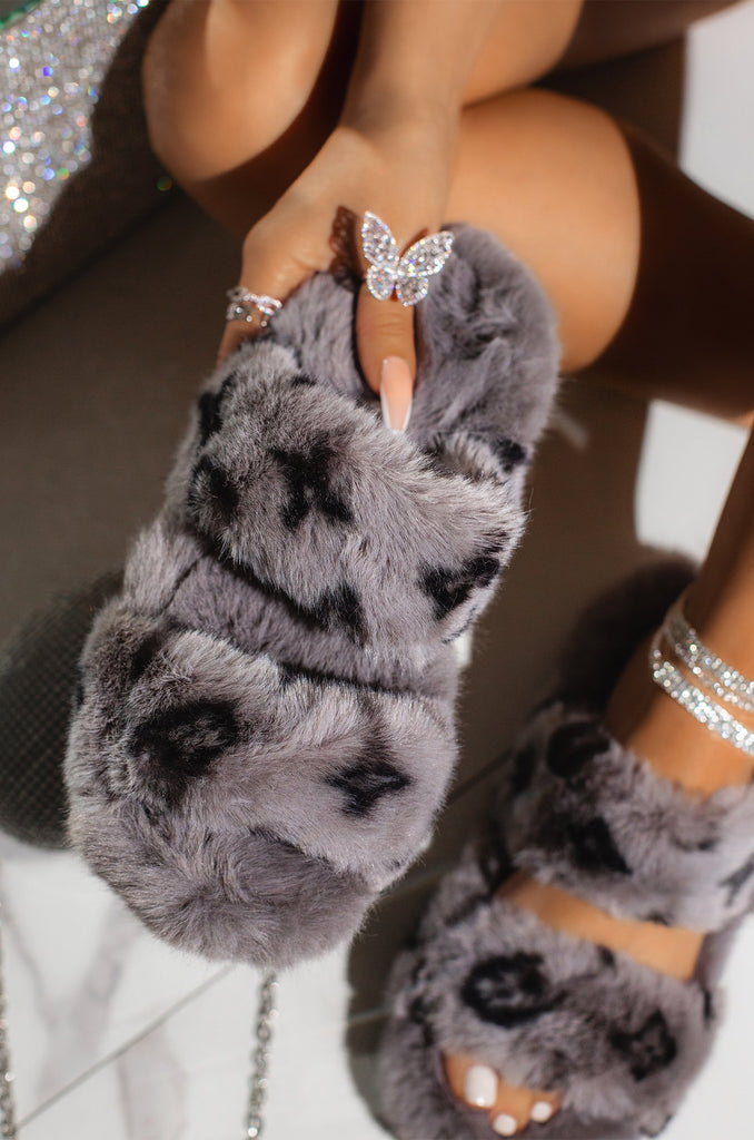 Luxe Loungin Slippers | Grey