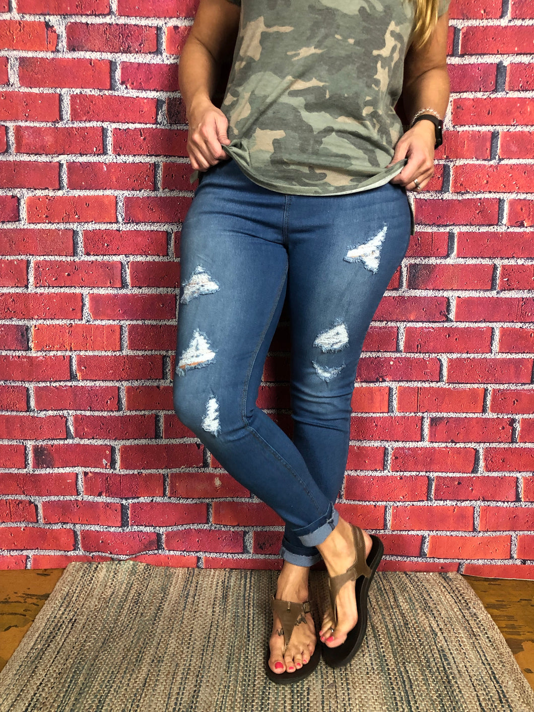 Curvy River Distressed Jean Jegging
