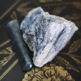 Blue kyanite crystal meaning tarot