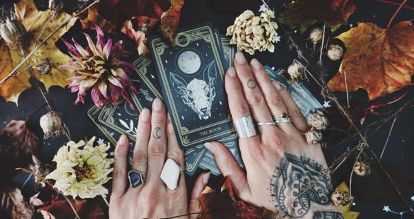 new moon in scorpio meaning the moon tarot cars