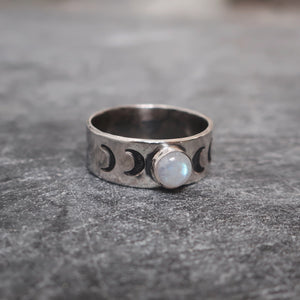 Moonrise Ring in Rainbow Moonstone