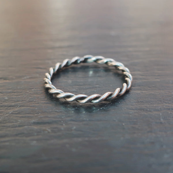 The Binding Stacking Ring