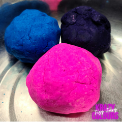 3 balls of combined dye and mixture