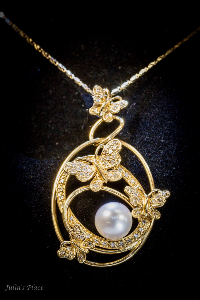 Pearl and butterflies pendant