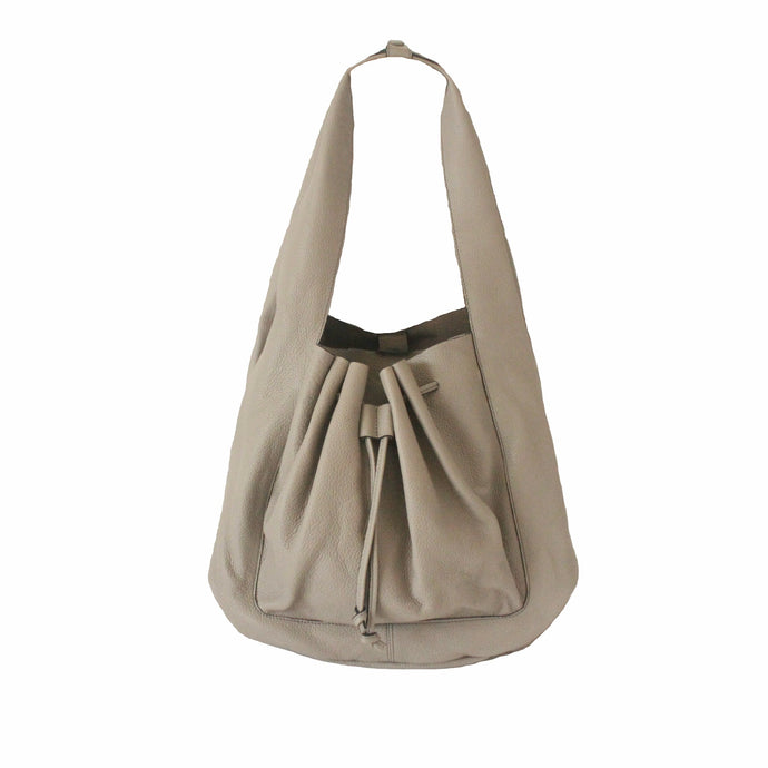 Hobo Leather Bag in Etoupe Grey | MYLIORA.COM