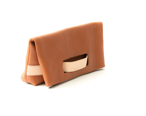 Sandys Clutch in Brown