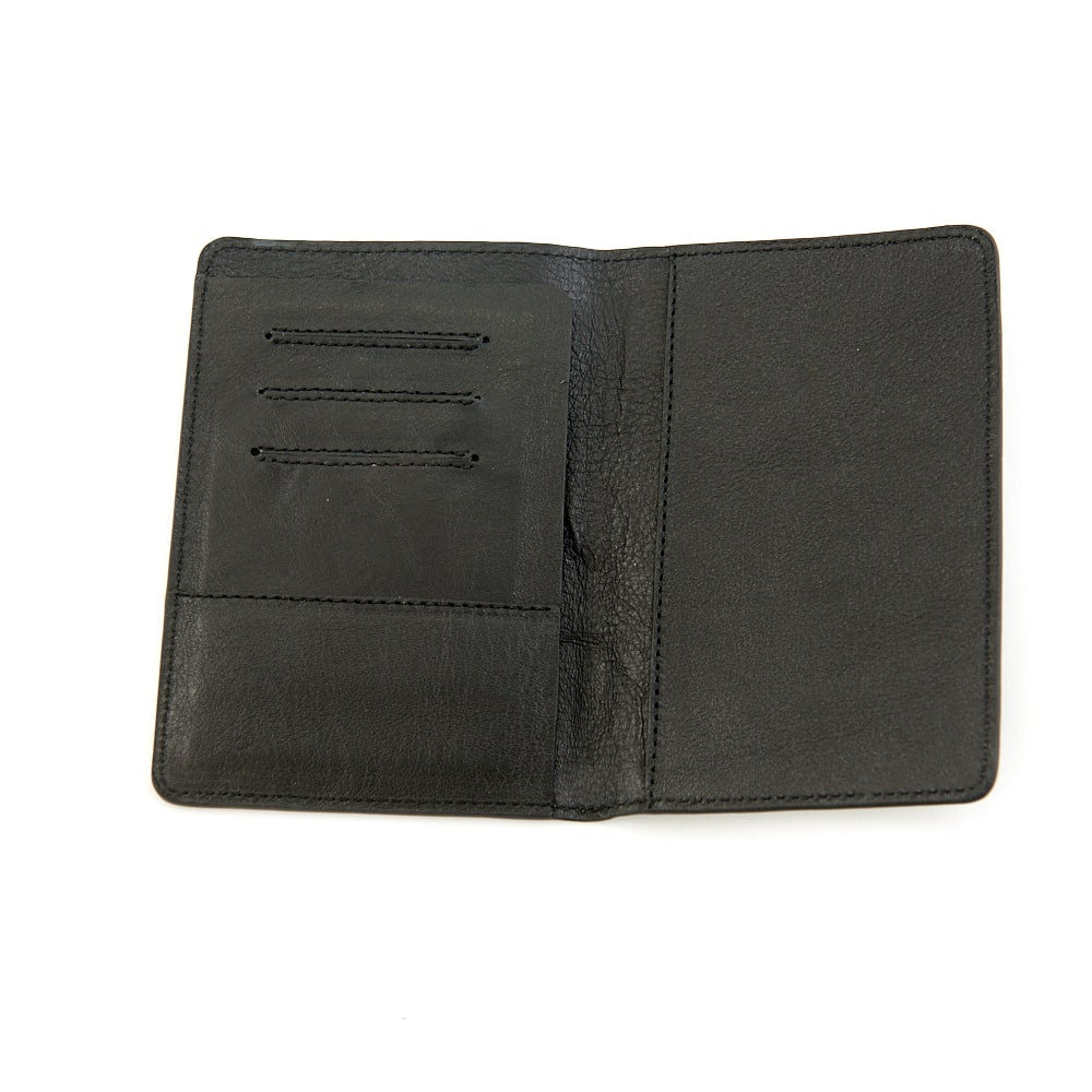Darrells Island black smooth leather passport holder UK - Bermuda Born