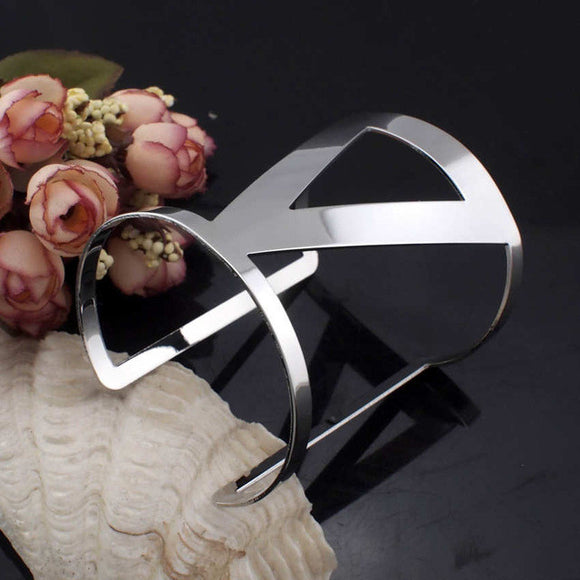 Power of Three Trilateral Elements Cuff