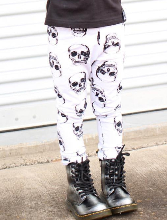 Large Skulls Leggings