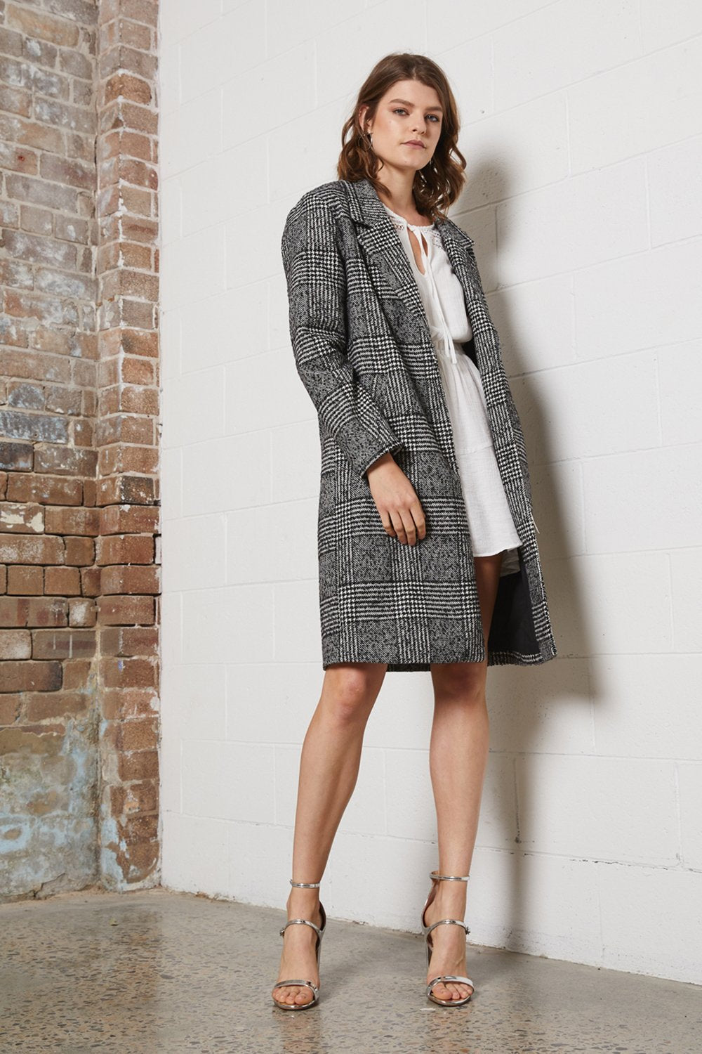 Shilla Delicate long coat check