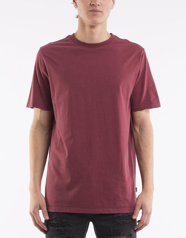 Relaxed Tee Burgundy | Silent Theory at IKON in Arrowtown NZ