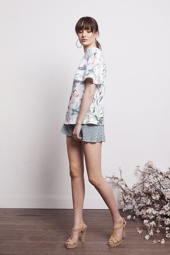 Shilla Social White Floral Short Sleeve Top | Shop at IKON ArrowtownNZ