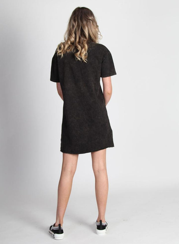 That Tee Mini Dress/Peony - Washed Black