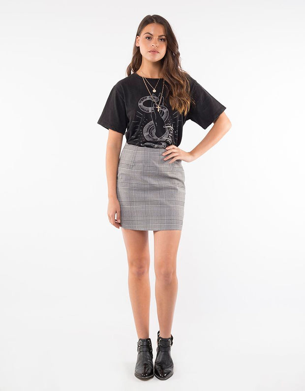 Jorge Charmer Tee - Washed Black