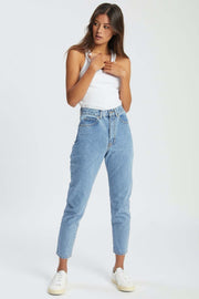 Nora Jean Light Retro | Shop Dr Denim Jeans at IKON Arrowtown NZ