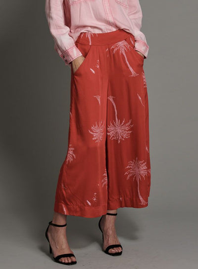Valley Cropped Pant Red Antigua