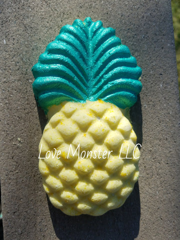 5 oz pineapple bath bomb