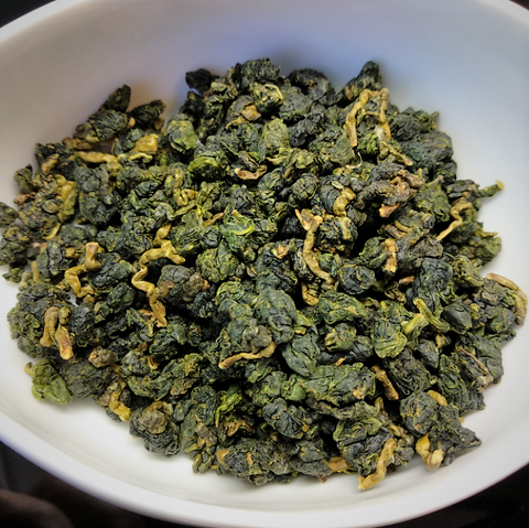 dry_leaves_lishan_cuifeng_high_mountain_oolong_tea_daurim