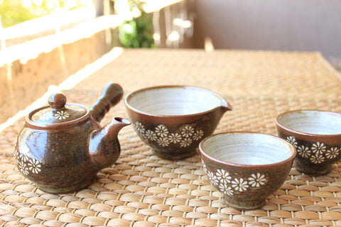 Handmade Korean Chrysanthemum Buncheong Tea Set for 2 with Gift Box | Daurim Tea & Teaware