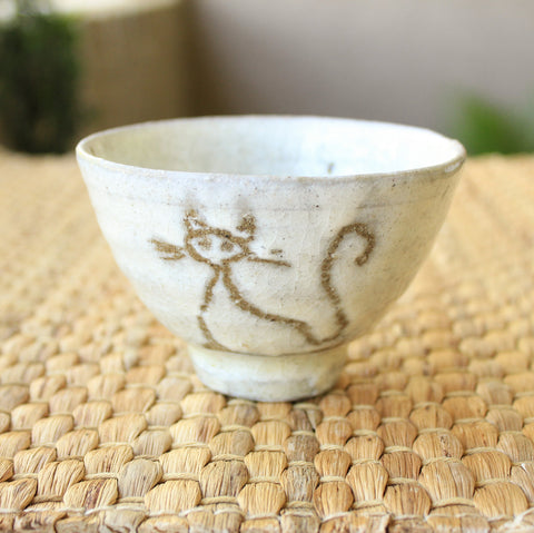 Handmade Korean Boonchung (Buncheong) Teacup - Cat by Jung Sung Hoon | Daurim Tea & Teaware