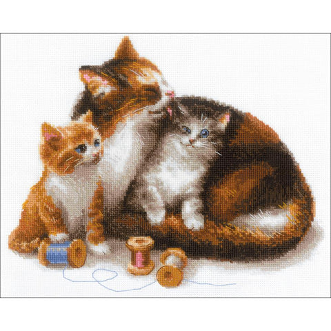 RIOLIS Counted Cross Stitch Kit 11.75X9.5 Cat W/Kittens (14 Count)