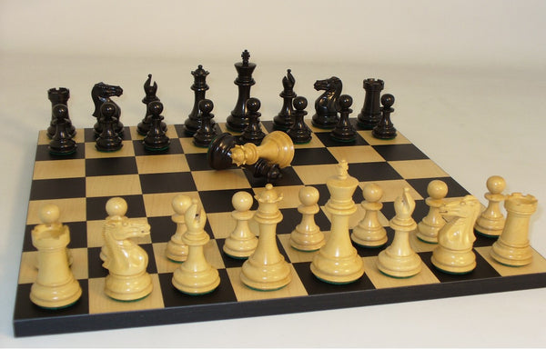 Black Exclusive Boxwood Staunton Chess Set