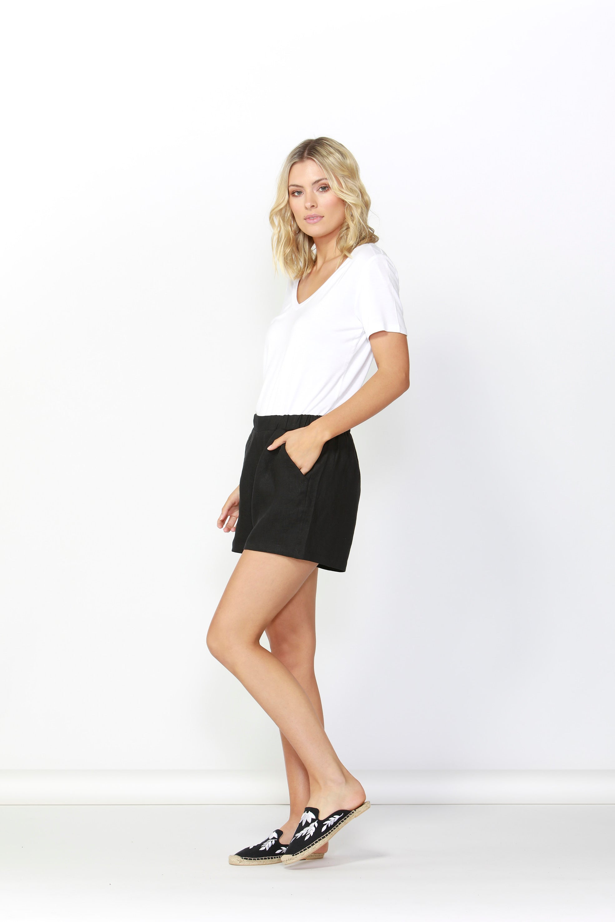 Jax Linen Short- Black