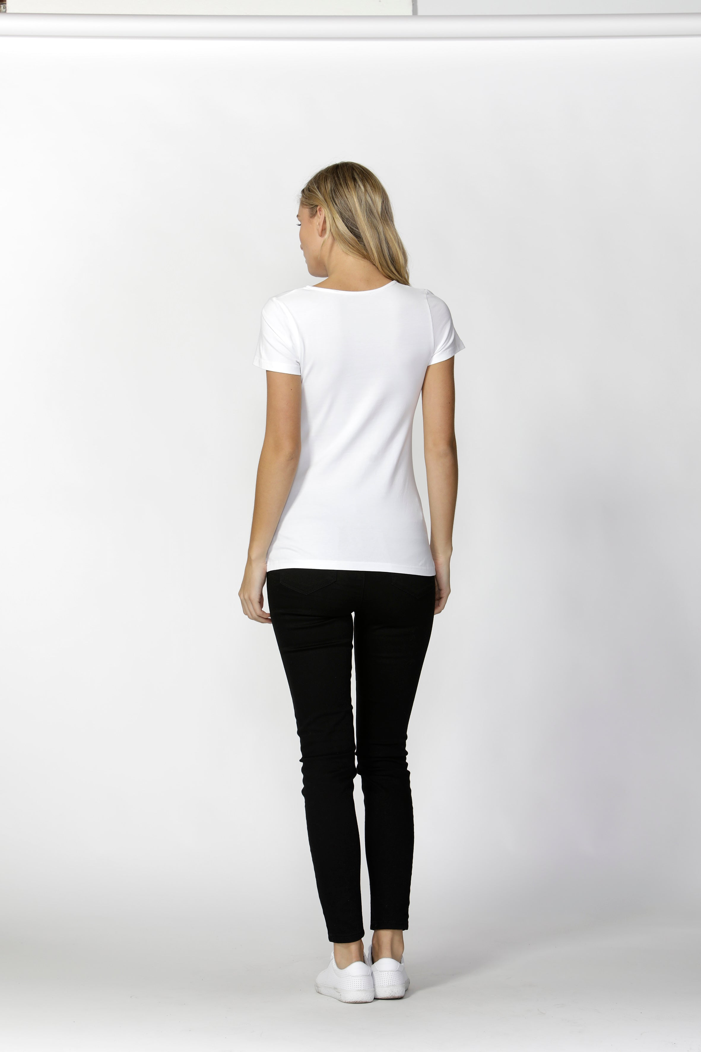 BRITNEY SCOOP TEE - WHITE