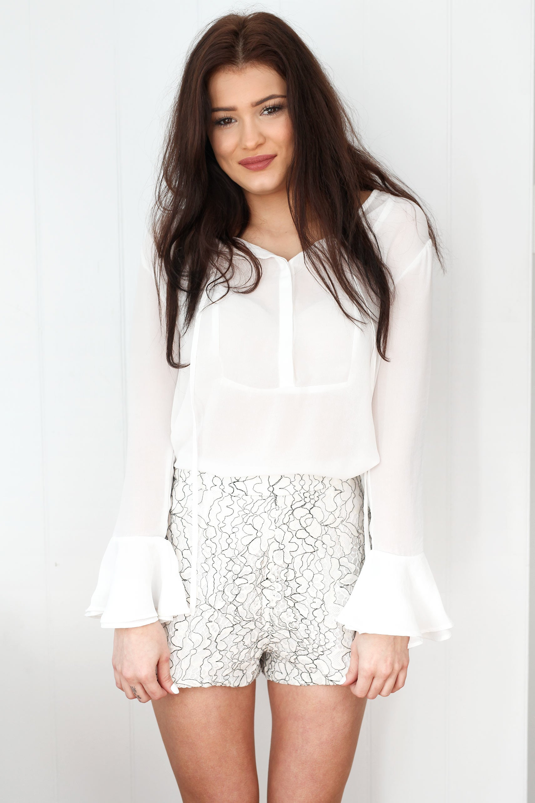 Lace Shorts-Black & white